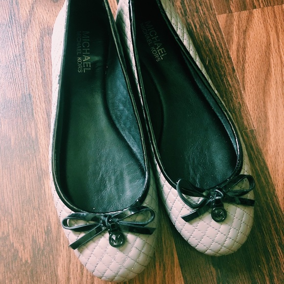 Michael Kors Shoes - Michael kors ballet flats barley worn